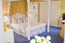 abbots-barton-hotel-bedrooms-10-83796-OP