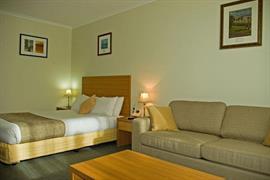 90792_006_Guestroom