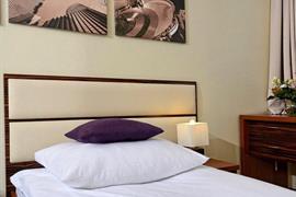 81028_004_Guestroom