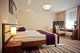 81028_006_Guestroom