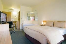 97388_001_Guestroom