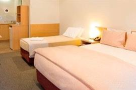 97388_006_Guestroom