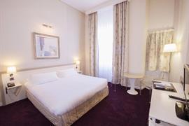 93557_003_Guestroom