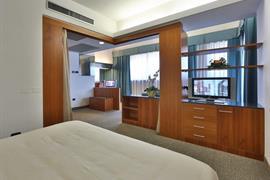 98213_006_Guestroom