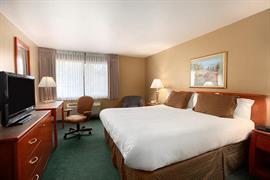 48155_007_Guestroom