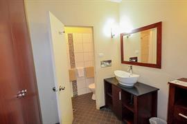 97339_004_Guestroom