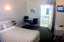 97386_007_Guestroom