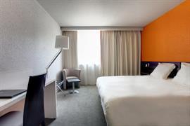 93721_005_Guestroom
