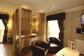alicia-hotel-bedrooms-03-83818