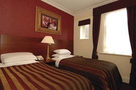 alicia-hotel-bedrooms-05-83818
