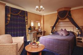 alicia-hotel-bedrooms-11-83818