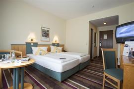 95290_006_Guestroom