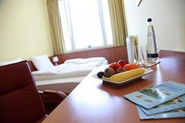95471_005_Guestroom