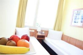 95471_006_Guestroom