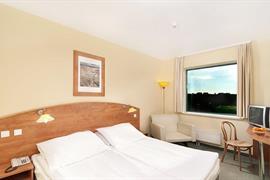 89620_005_Guestroom