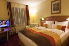 89620_006_Guestroom