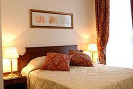 93620_004_Guestroom