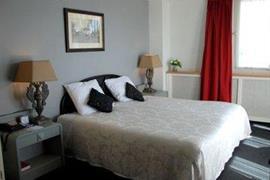 92687_006_Guestroom
