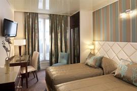 93212_002_Guestroom