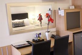 97379_007_Guestroom