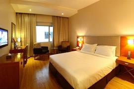 76963_004_Guestroom