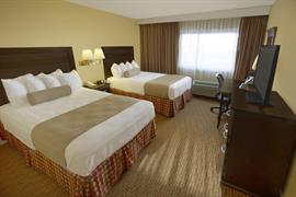 14092_007_Guestroom