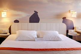 93811_007_Guestroom