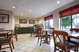 36140_007_Restaurant
