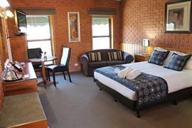 90800_004_Guestroom