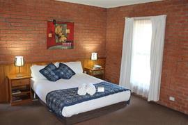 90800_005_Guestroom