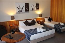90800_007_Guestroom
