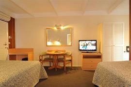 90252_006_Guestroom