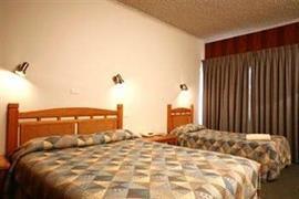 90252_007_Guestroom