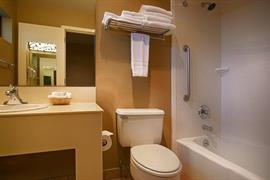 38002_007_Guestroom