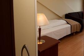 73112_005_Guestroom