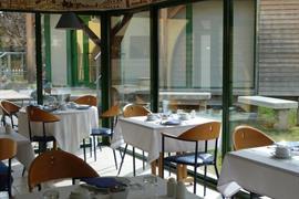 93516_005_Restaurant