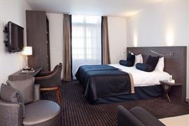 93722_003_Guestroom