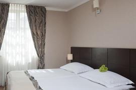 81021_003_Guestroom
