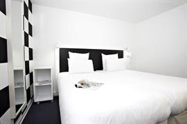 93738_006_Guestroom