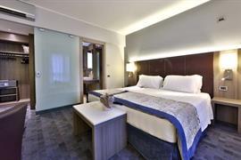 98321_007_Guestroom