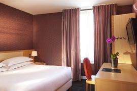 93307_001_Guestroom