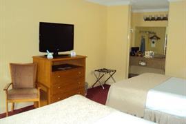 34093_005_Guestroom