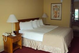 34093_006_Guestroom