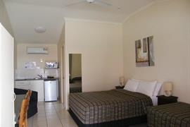 97421_006_Guestroom