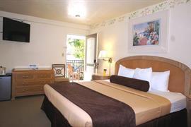 05646_005_Guestroom