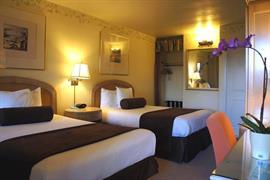 05646_006_Guestroom