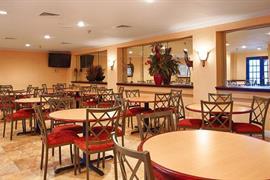 10371_004_Restaurant