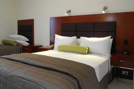 97442_002_Guestroom