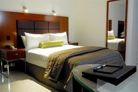 97442_003_Guestroom