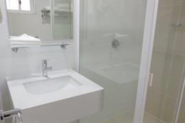 97442_004_Guestroom